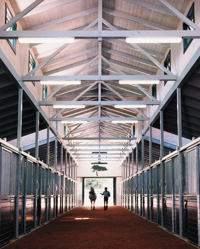 Barn-aisle1